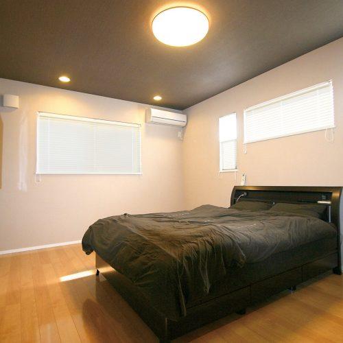 B_bedroom